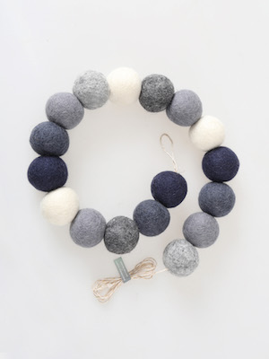 pompom garland _ handsome grey